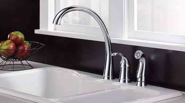 Delta Faucet Pilar Single-Handle Kitchen Sink Faucet with Side Sprayer in Matching Finish